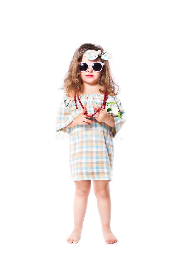 Moda portret dziewczyny dziecko sunglasses fotografia royalty free