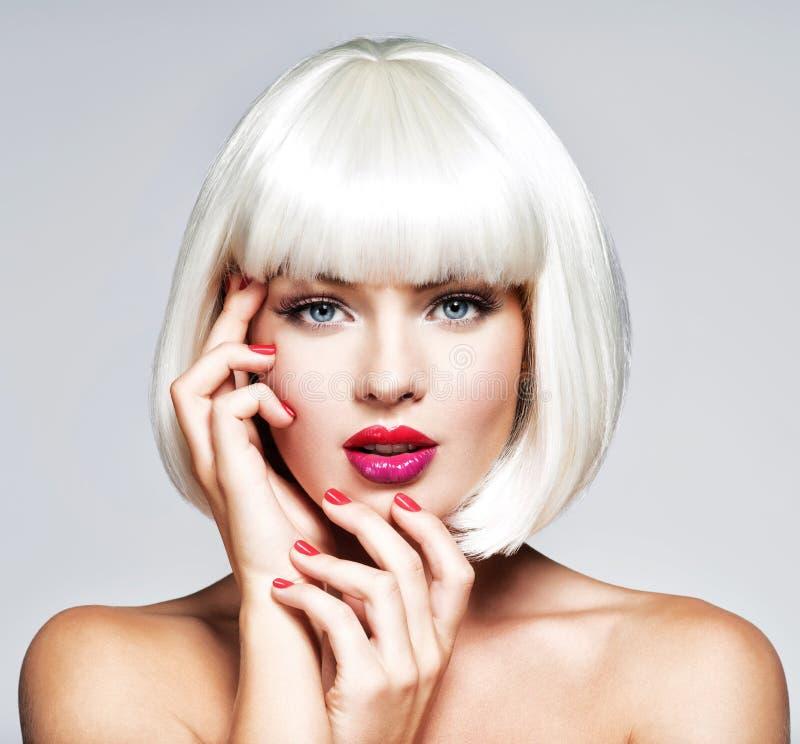 Moda portret Piękna dziewczyny ` s twarz z profesjonalistą zdjęcie royalty free