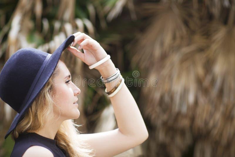 Moda portret piękna hipis młoda kobieta fotografia royalty free