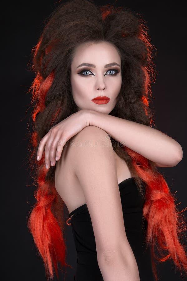 Moda portret piękna kobieta z długie włosy obraz royalty free