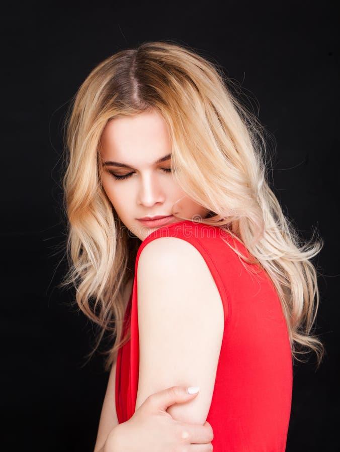 Moda portret Zmysłowa kobieta z blondynka włosy obraz stock