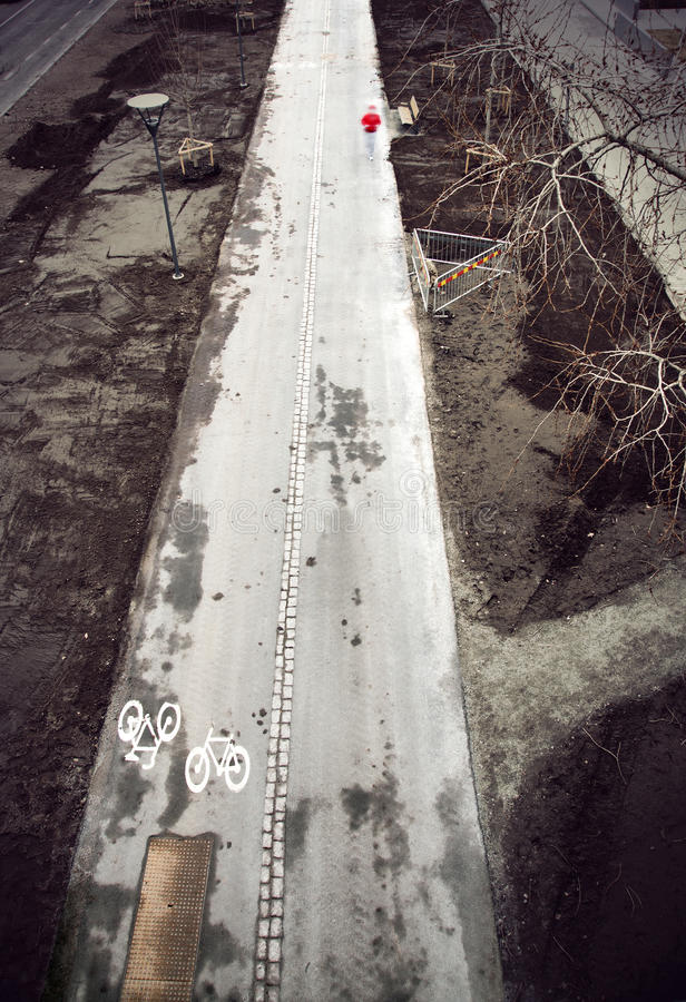 Modderig fietspad stock fotografie