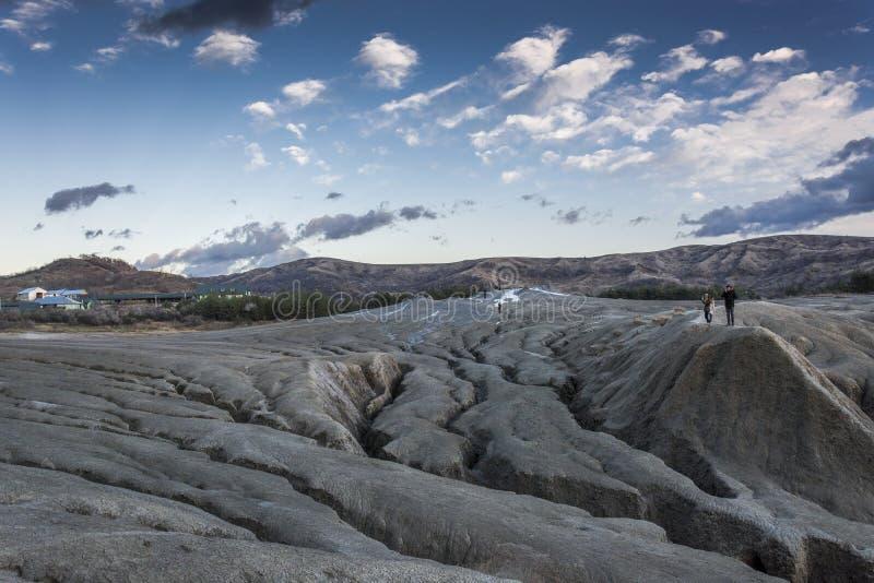 Modderige vulkanen in Roemenië stock fotografie