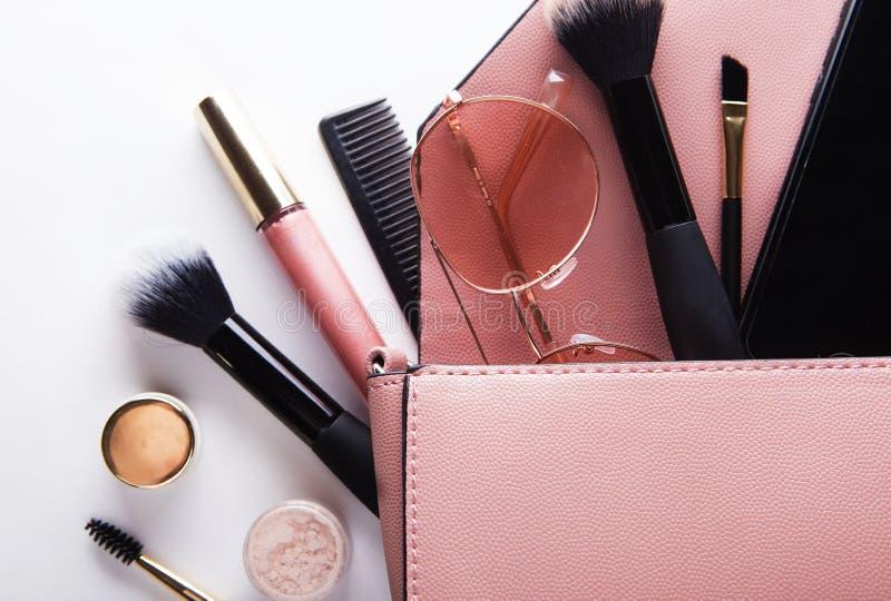 Mode-Dame Accessories Set Flache Lage Stilvolle Handtasche Richten Sie Pinsel her Frauenzubehör Modisches Mode Design lizenzfreies stockbild