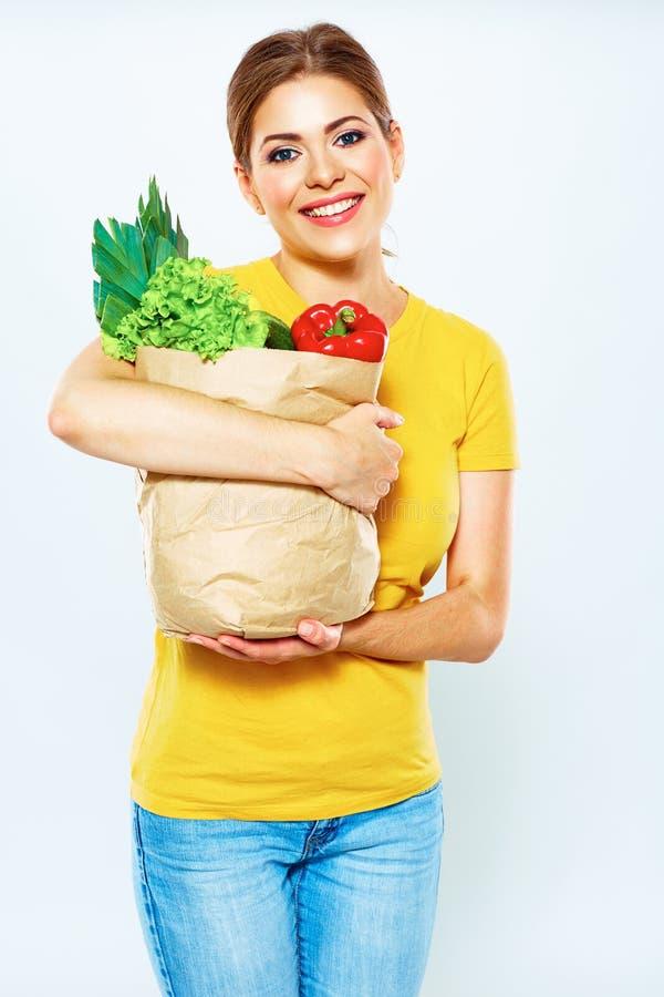 Mode de vie sain avec la nourriture verte de vegan Régime de vert de jeune femme photos stock