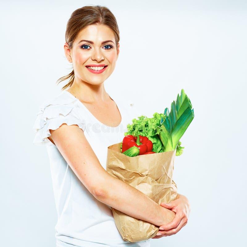 Mode de vie sain avec la nourriture verte de vegan R?gime de vert de jeune femme photographie stock libre de droits