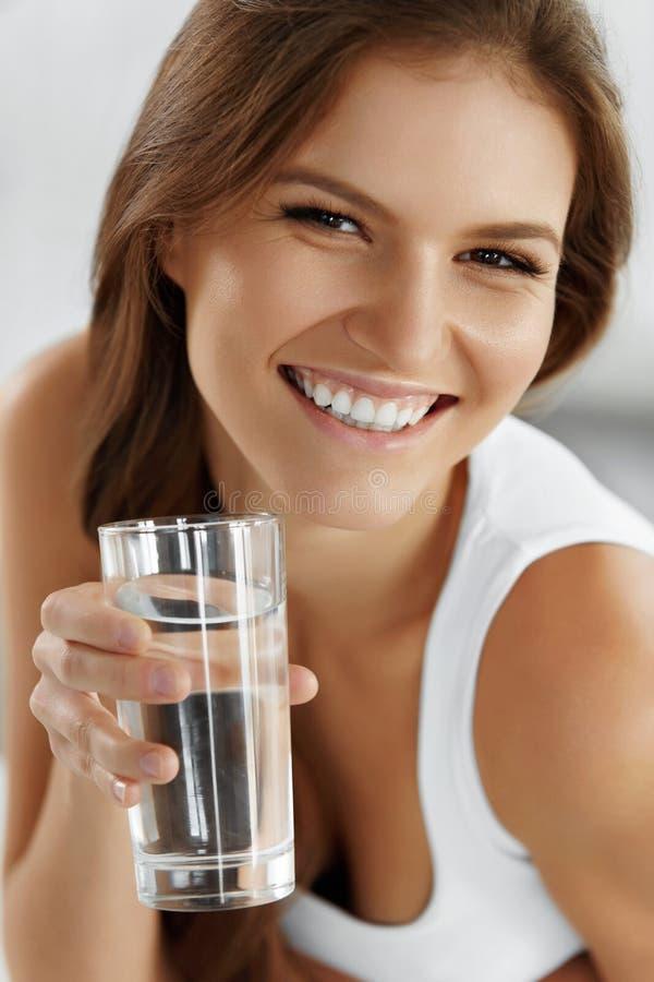 Mode de vie sain, mangeant Recyclage de 04 boissons Santé, image stock