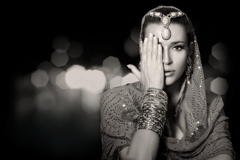 Mode ethnique de beauté Femme indien photos libres de droits