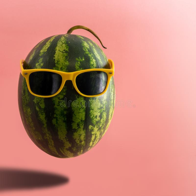 Mode-Hippie-Wassermelone Frucht stockfotos