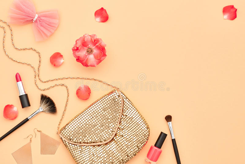 Mode-kosmetisches Make-upzubehör wesensmerkmale lizenzfreie stockbilder