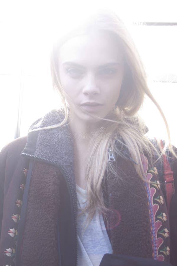 Mode-Modell-Cara Delevingne-Schönheitsporträt lizenzfreies stockfoto