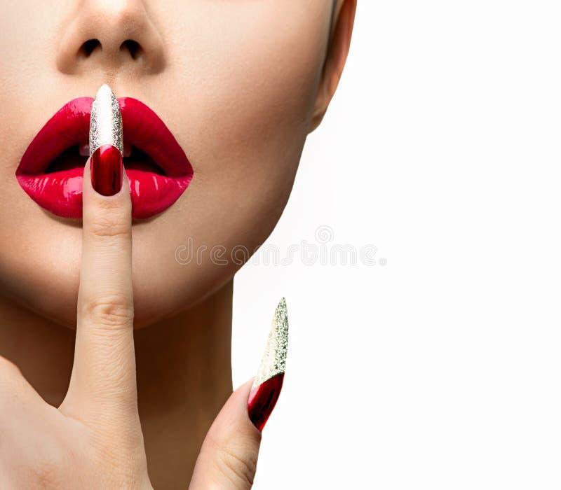 Mode-Modell Girl Face Schöne reizvolle Lippen stockbild