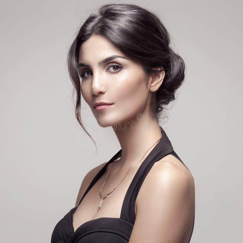 Mode-Porträt der Schönheit mit Schmuck. lizenzfreies stockfoto