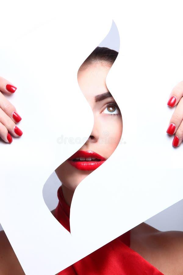 Mode-Schönheit bilden mit den zusammenpassenden Lippen und den Nägeln lizenzfreies stockfoto