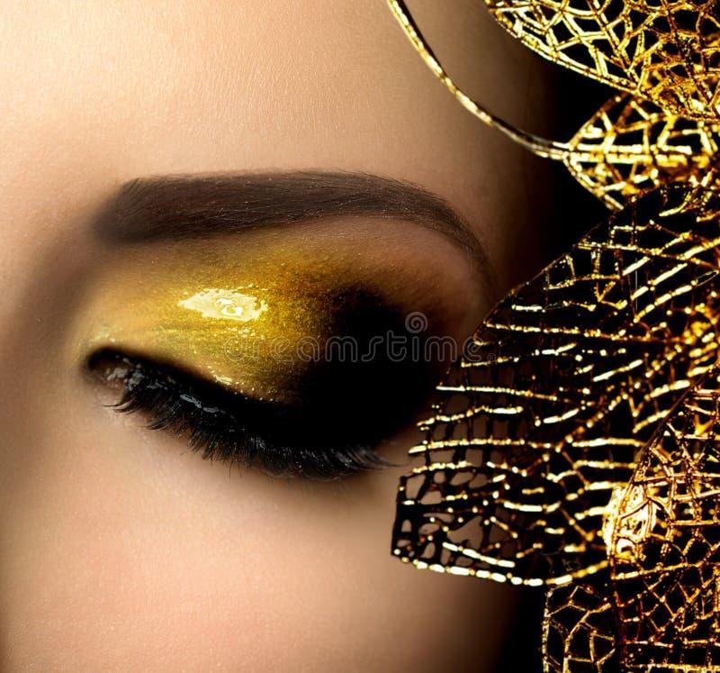 Mode-Zauber-Make-up stockbilder