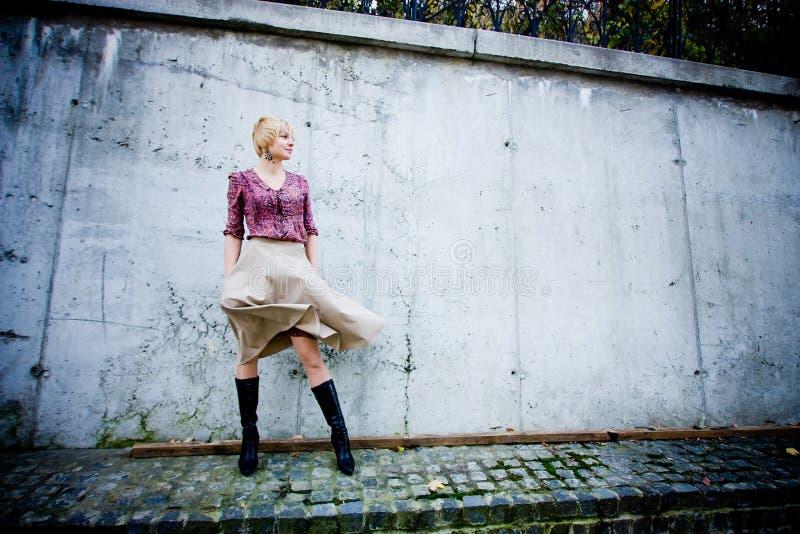 Modeblick in der Stadt stockfoto