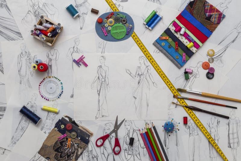 Modeformgivare Desk royaltyfria bilder