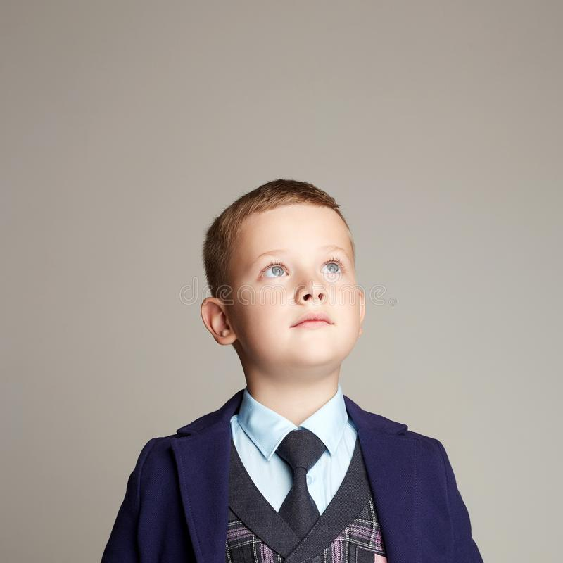 Modekinderporträt Elegantes Kind stockbild