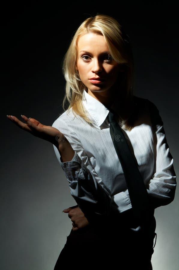 model blondynkę poza fotografia stock