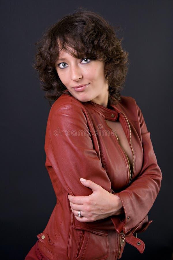 Model in het Rode Jasje van het Leer royalty-vrije stock foto's