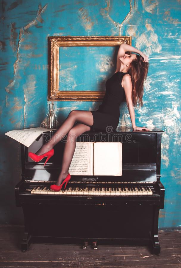 Model In High Heels On Piano Free Public Domain Cc0 Image
