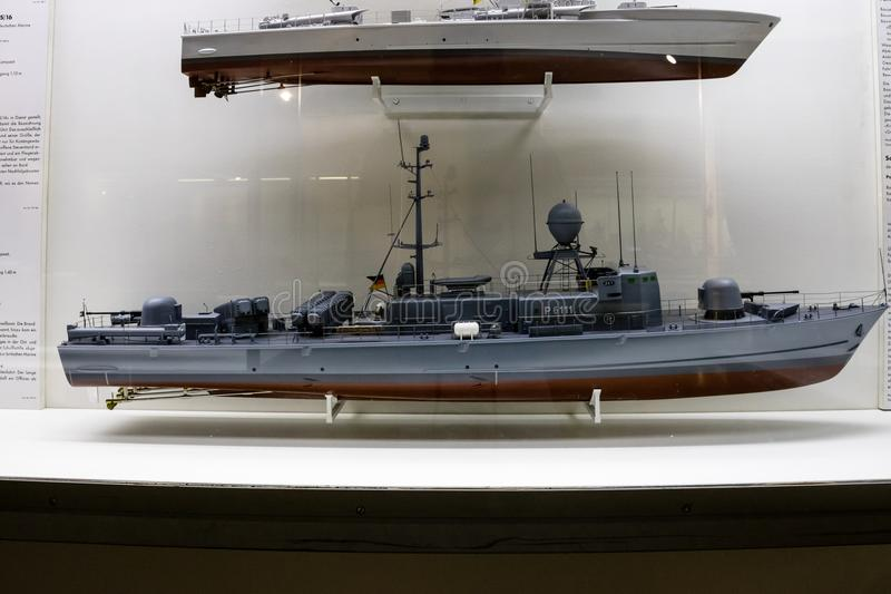 Model pancernik w muzeum lub śmigłowiec szturmowy fotografia royalty free