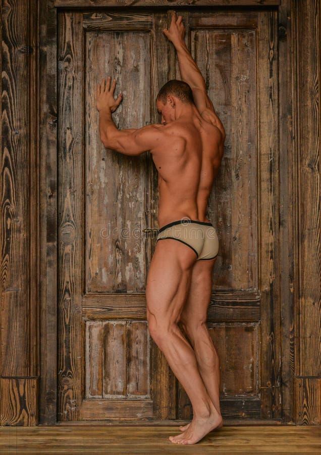 Model przy drzwi zdjęcie royalty free