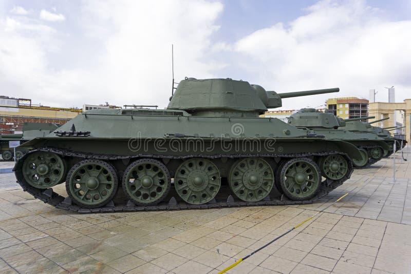 Model soviétique 1942 du réservoir OT-34-76 de lance-flammes dans le musée de l'équipement militaire image stock