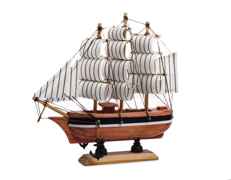Model statek z żaglami na białym tle zdjęcia royalty free