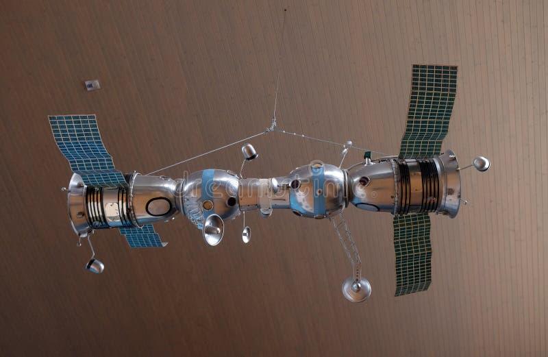 Model van aangesloten ruimteschepen Soyuz 4 en Soyuz 5 stock fotografie