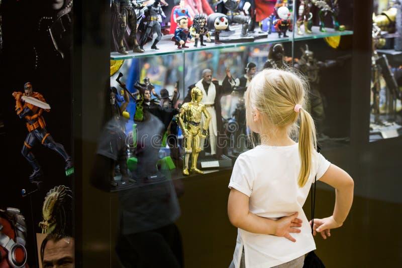 Model van Batman van het jokerkarakter het inbare model en vage op de achtergrond royalty-vrije stock fotografie