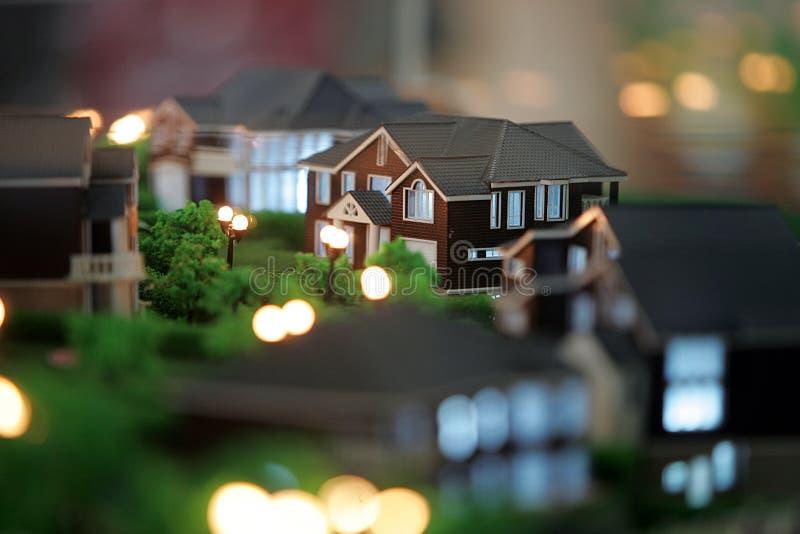 Model van huis bij nacht stock foto's