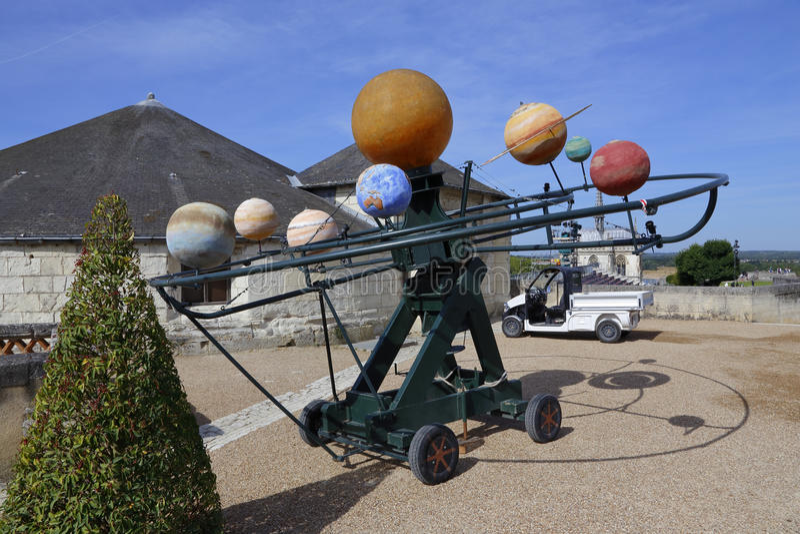 Model van Leonardo da Vinci-zonnestelsel - Chateau D Amboise, de Loire-Vallei, Frankrijk SCHOOT Augustus 2015 stock foto's