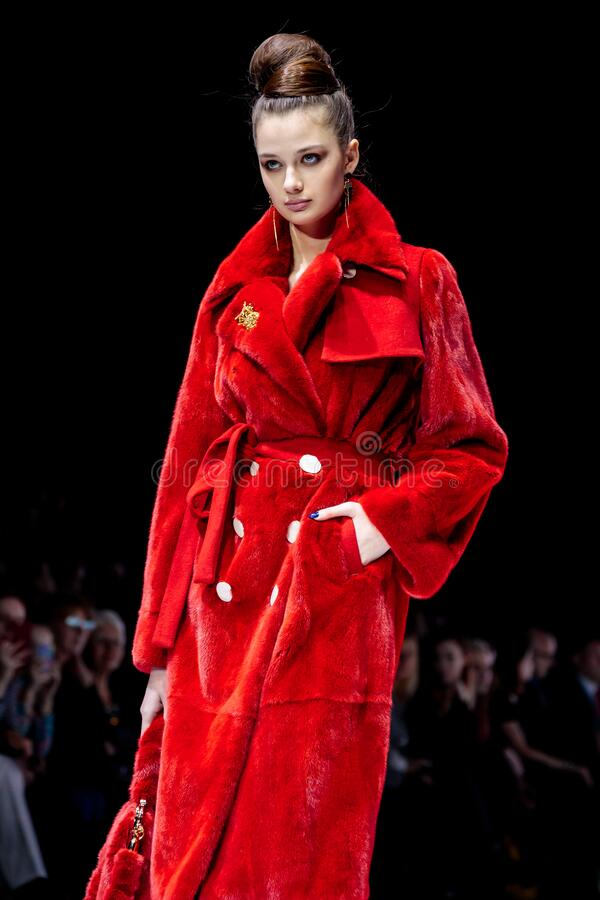 Free Model Walk Runway For DUETFUR CRIMEAN FUR FACTORY Catwalk At Autumn-Winter 2019-2020 Moscow Fashion Week Stock Photography - 180817152