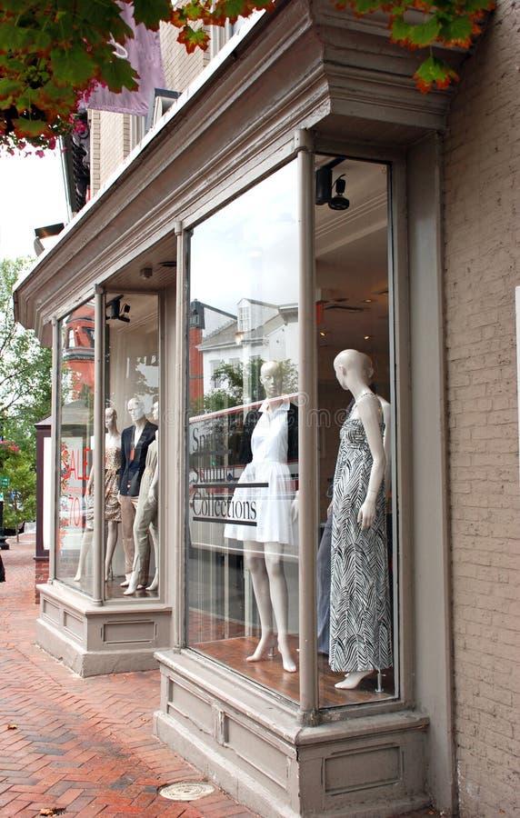 Modelager på Main Street royaltyfri bild