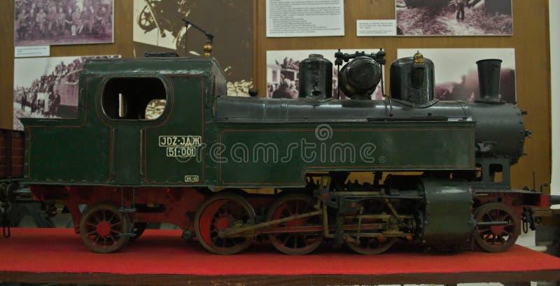 Modell av ångalokomotivet på skärm på det järnväg museet i Belgrade, Serbien arkivbilder