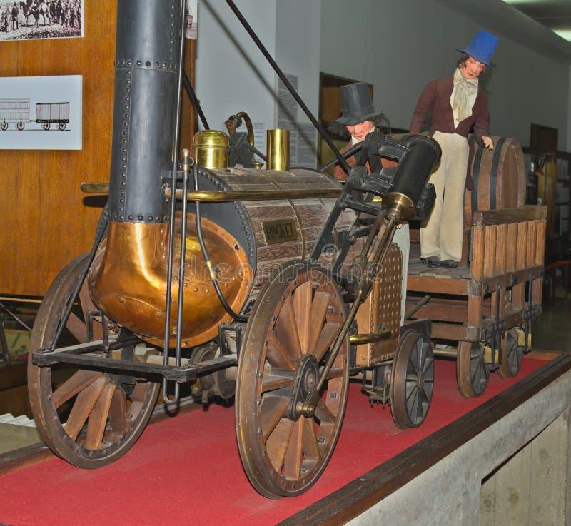 Modell av ångalokomotivet på skärm på det järnväg museet i Belgrade, Serbien arkivfoton