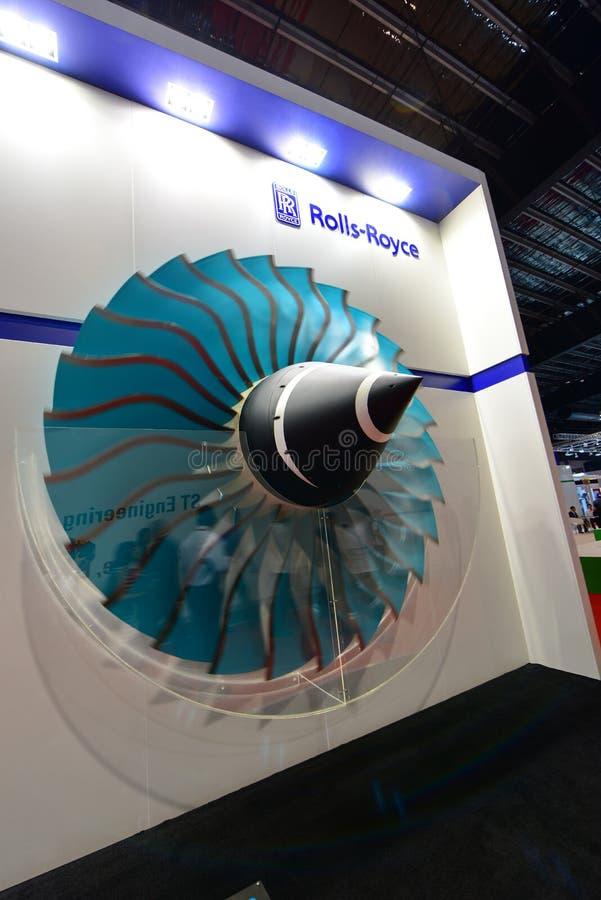 Modell av den Rolls Royce jetmotorn på skärm på Singapore Airshow royaltyfri bild