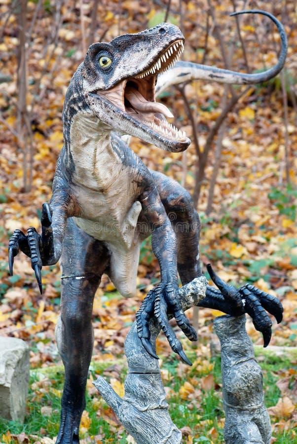 Modell av dinosaurien royaltyfria bilder