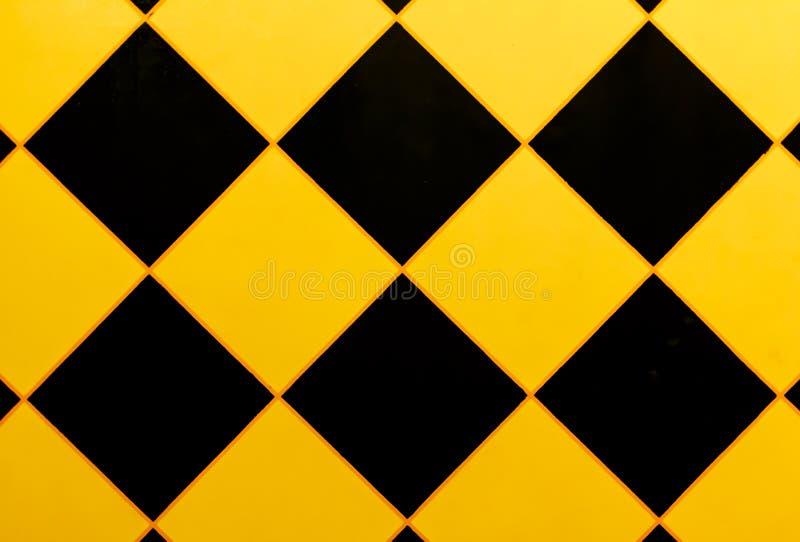 Modell av väggen med en svart triangel arkivfoto