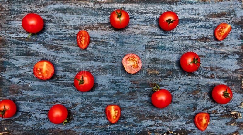 Modell för körsbärsröda tomater arkivfoton