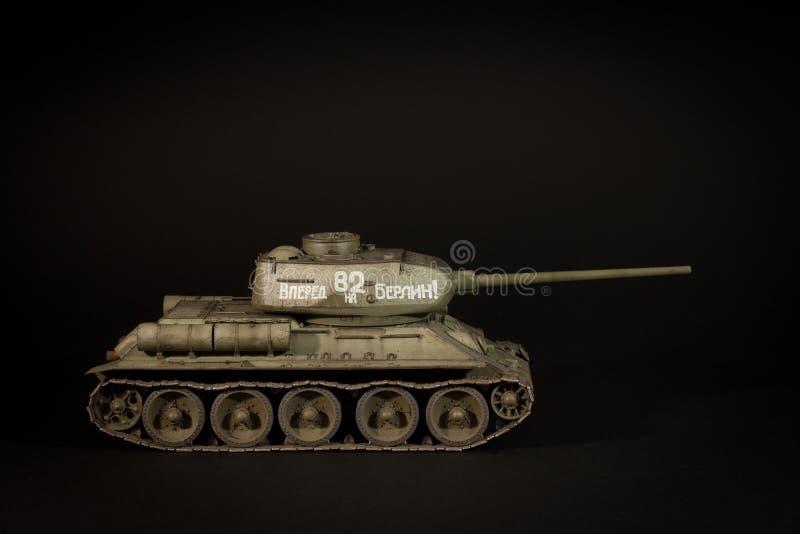 Modell för Sovjetunionen behållare T-34/85 arkivbild