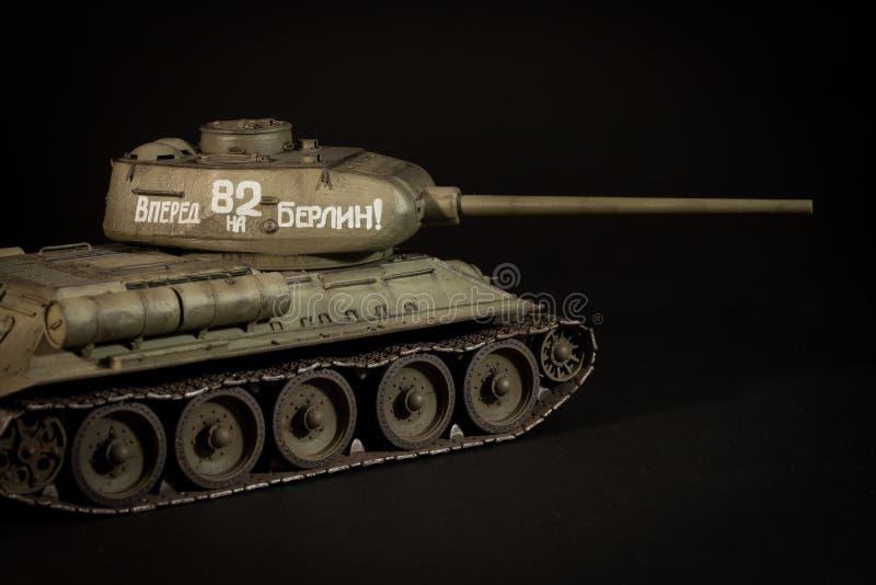 Modell för Sovjetunionen behållare T-34/85 arkivbilder