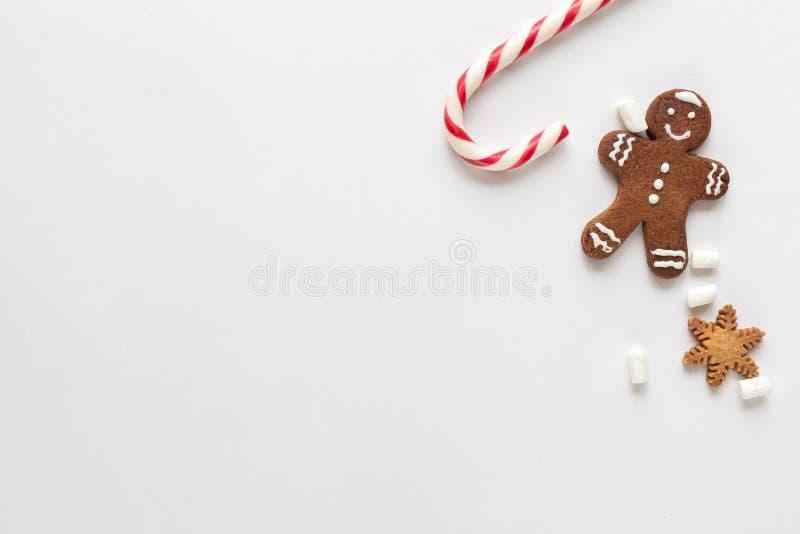 Modell för vit jul med kakor arkivfoton