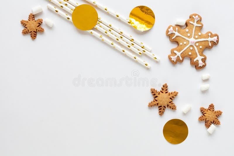 Modell för vit jul med kakor royaltyfri bild