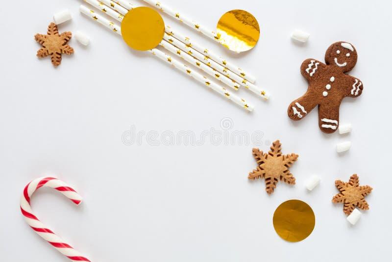 Modell för vit jul med kakor royaltyfri fotografi