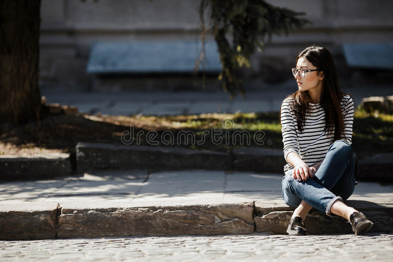 Modell i staden royaltyfri fotografi
