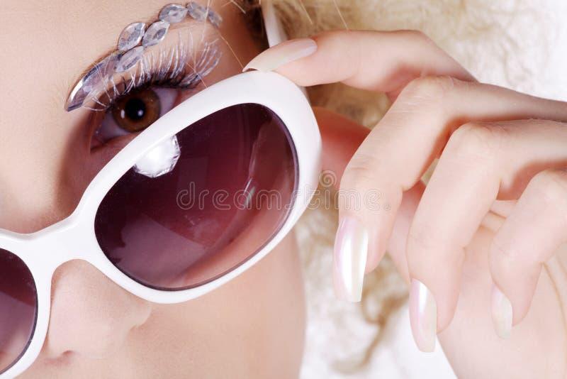 Modell med solexponeringsglas fotografering för bildbyråer