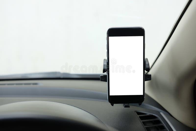 Modell Smartphone i ett bilbruk för Navigate eller GPS Smartphone I arkivbilder