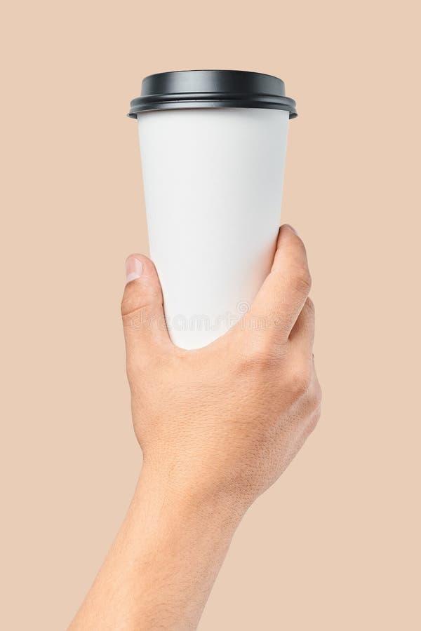 Modell von Männer ` s Hand, die große Schale des Weißbuches mit schwarzer Abdeckung hält stockfoto